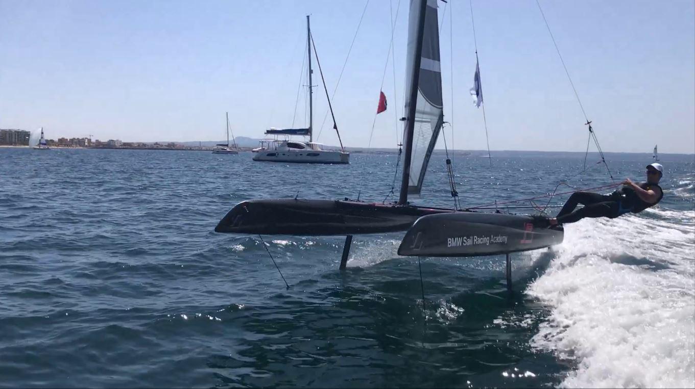 BMW fly15 sail racing